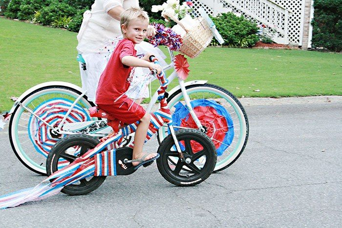 Fourth of July Bike Parade! A fun neighborhood tradition you can start! #OSSS #f...