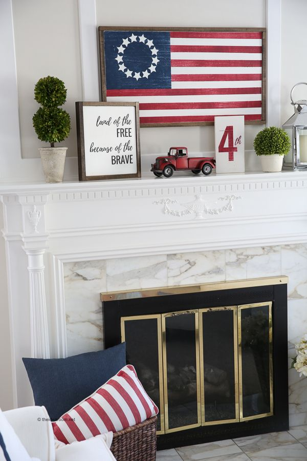 Holidays | Fourth of July | Sharing this Fourth of July DIY Wood Flag Sign Tutor...