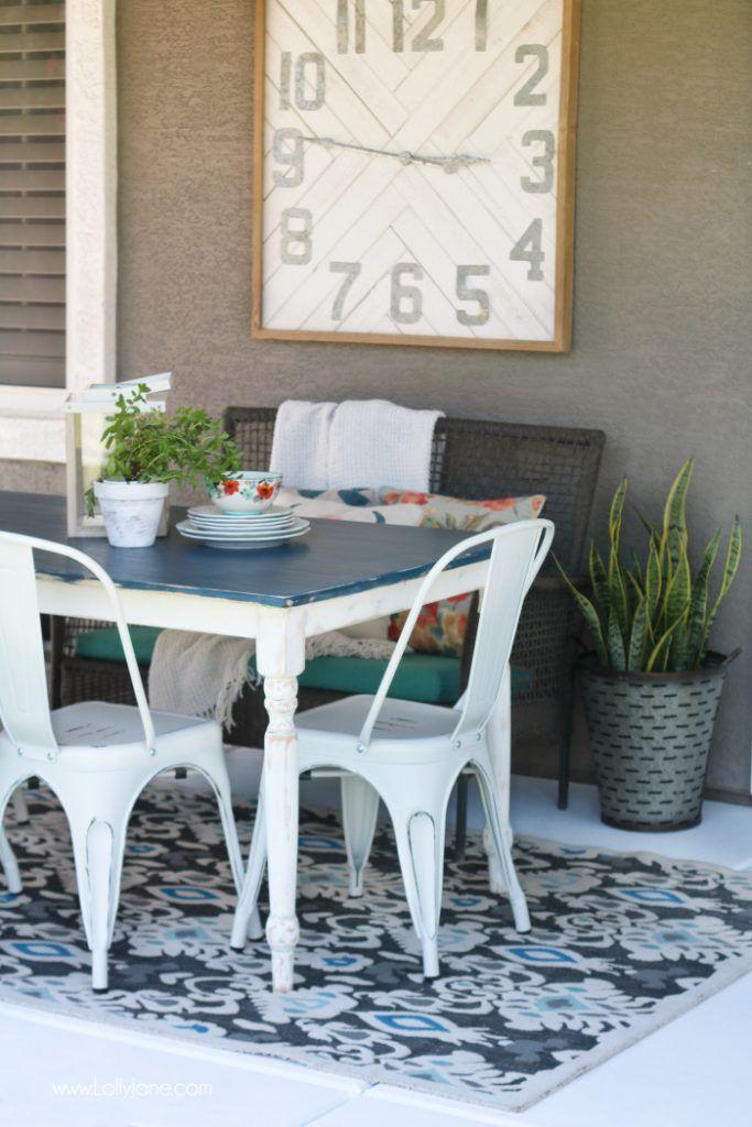 Pretty Modern Farmhouse Table... can't believe this isn't paint! Love th...