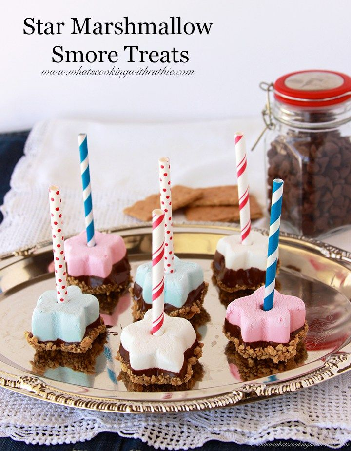 These marshmallow s'mores treats are perfect for the Fourth of July festivit...