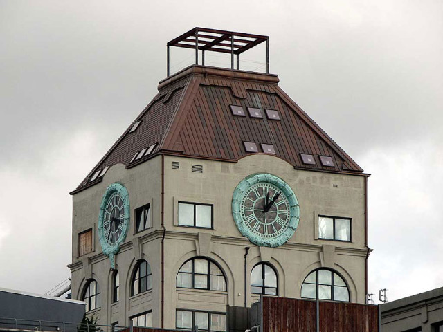 clock-tower-apartment-1